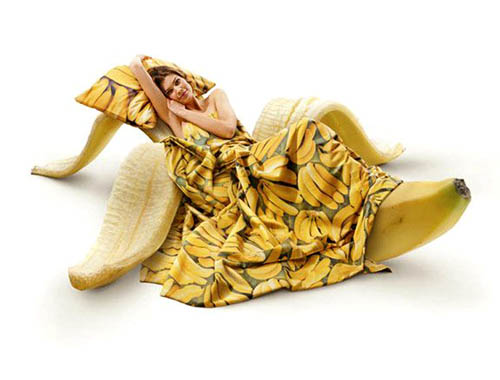 banana-bed-humor-01