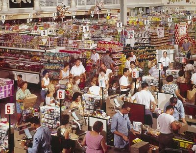 crowded_grocery store